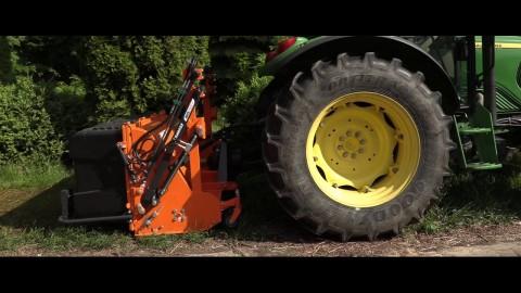 Pielęgnacja miejskich terenów zielonych z IBIS UP od SaMASZ//IBIS UP flail mower working with JD