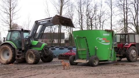 Wóz paszowy SaMASZ - OptiFEED UNO 1000S z Deutz-Fahr //Mixer feeder SaMASZ – OptiFEED UNO 1000S